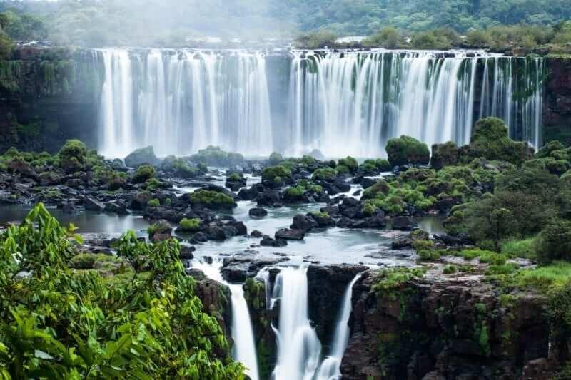 Iguazu Falls, Argentina/Brazil line