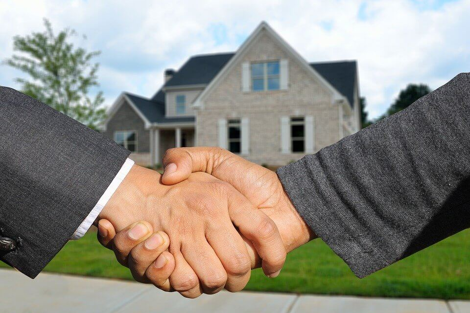 Building A Home To Get A Real Estate Agent To Sell